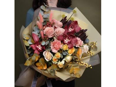 """Букет цветов с орхидеей  """"Гармония"""""""