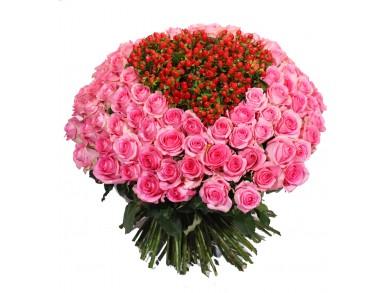 """Букет из роз """"С Любовью в Сердце"""""""