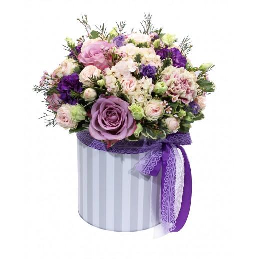 Цветочная композиция в коробке Сиреневая Глазурь