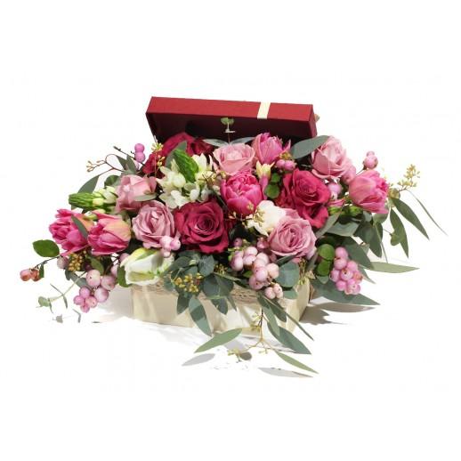Цветочная композиция в коробке Винная соната