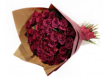 Букет из 35 Винных Роз