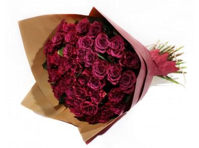Букет из 25 Винных Роз