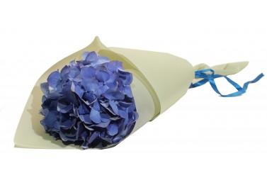 Букет из синей гортензии