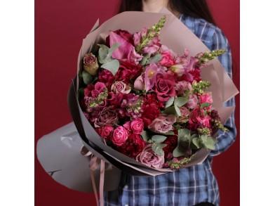 """Букет цветов """"Рубиновые бусы"""""""